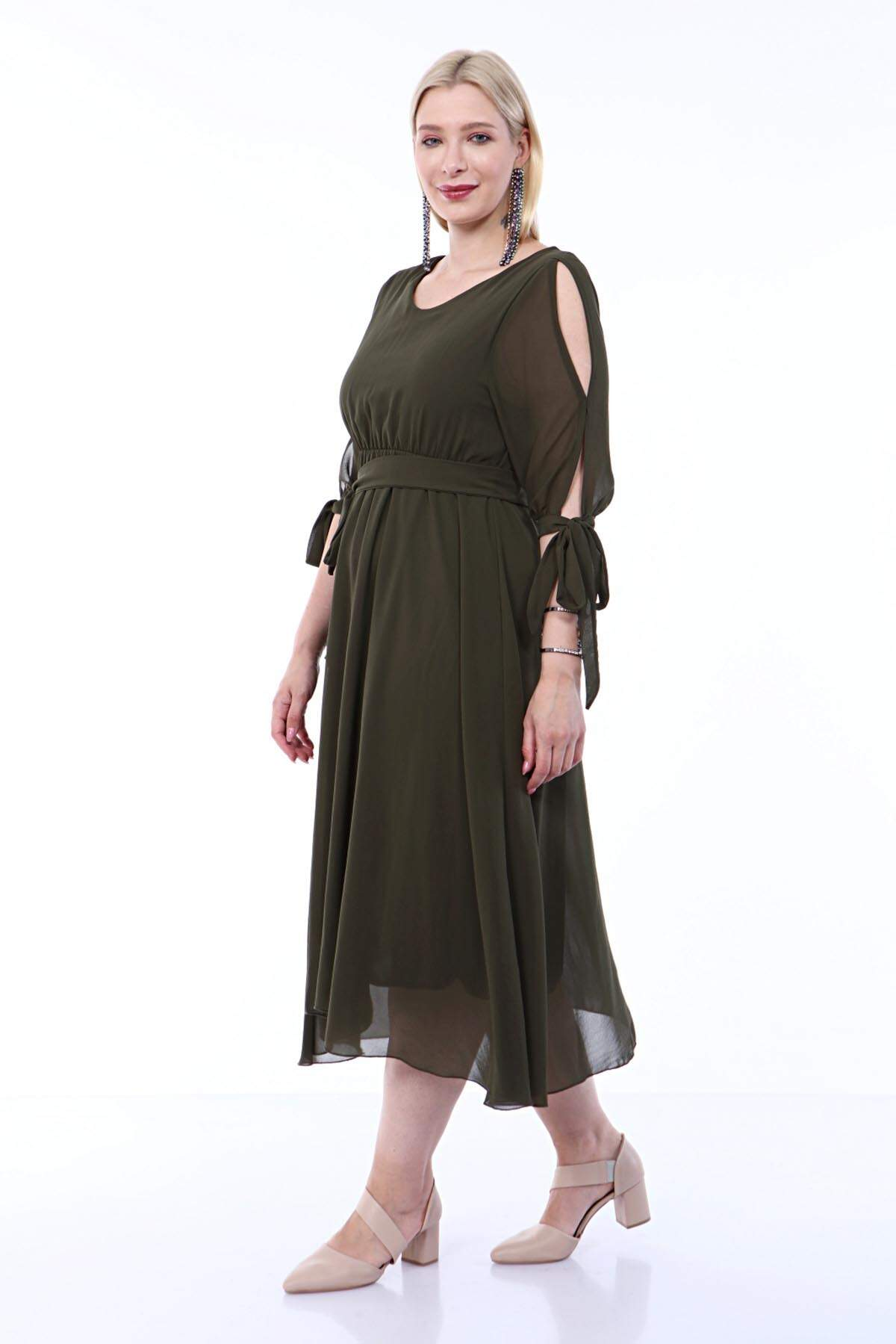 Angelino Büyük Beden Beli Lastikli Kolu Bağcıklı Şifon Abiye Elbise KL4017