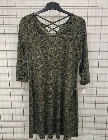 - Arkası Çapraz Detaylı Örme Elbise (1)
