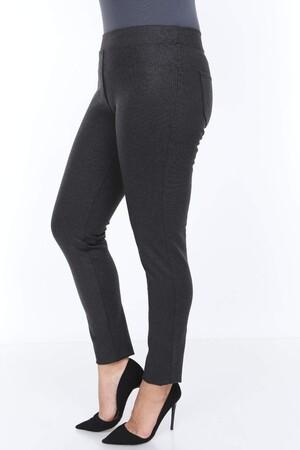 Angelino Fashion - Büyük Beden Arka Cep Detay Dar Paça Pantolon 44325 Siyah (1)