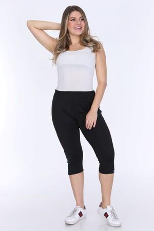 Angelino Fashion - Büyük Beden Kadın Mavi Çizgi Detay Kapri Şort 21180 Siyah (1)