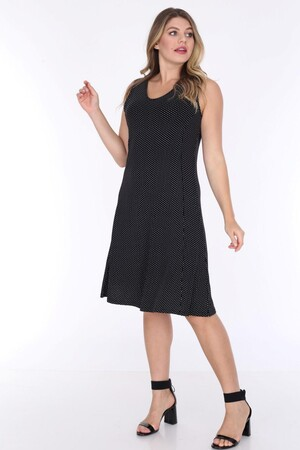 Angelino Fashion - Büyük Beden Kadın Viskon Kruvaze Sıfır Kol Puantiye Detay Yazlık Elbise BTR6085 Siyah (1)