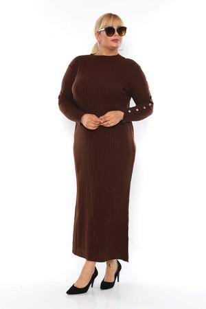 - Büyük Beden Sıfır Yaka Kol Boncuk Detay Tesettür Triko Elbise BYM18249 Kahverengi (1)