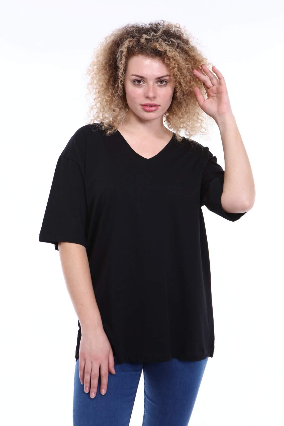 Büyük Beden V Yaka Siyah T-shirt TC01