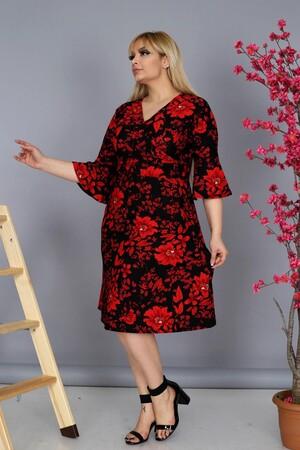 Angelino Fashion - Büyük Beden Kadın Krep Kruvaze Kolları Volanlı V-Yaka Gül Desenli Elbisee Model K BTR8412 Kırmızı (1)