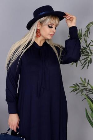 Angelino Fashion - Büyük Beden Viskon Yaka Fular Detay Tesettür Elbise BTR8330 Lacivert (1)