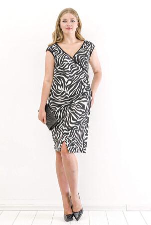Angelino Butik - Büyük Beden Yakası Biyeli Kısa Likralı Elbise PNR100 Zebra (1)