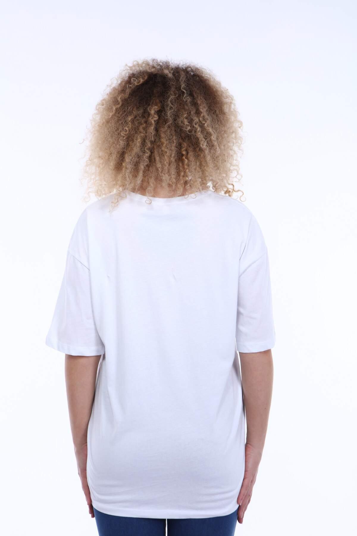 Büyük Beden Yuvarlak Yaka Beyaz T-shirt TC02