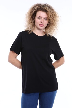 Angelino Butik - Büyük Beden Yuvarlak Yaka Siyah T-shirt TC02 (1)