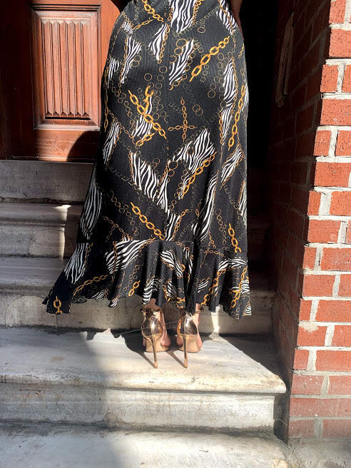 Büyük Beden Zincirli Desen Fırfır Detaylı Esnek Kuşaklı Uzun Elbise 7713