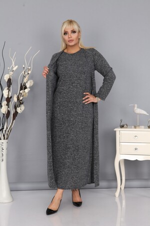 Angelino Fashion - Kadın Büyük Beden Yumoş Uzun Kışlık Kendinden Yelekli Elbise Füme (1)