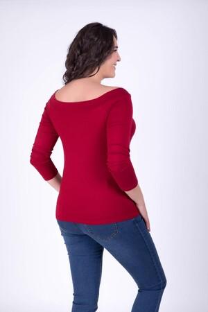 - Karmen Yaka Kırmızı Tişört (1)