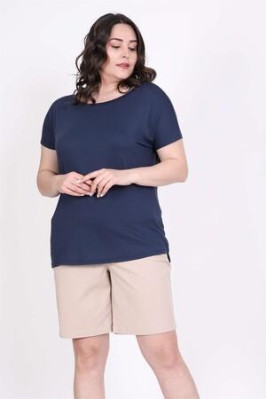 - Karmen Yakalı Tişört (1)