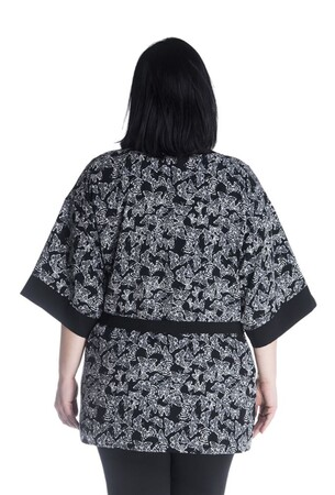 - Kuşak Detaylı Desenli Kimono (1)